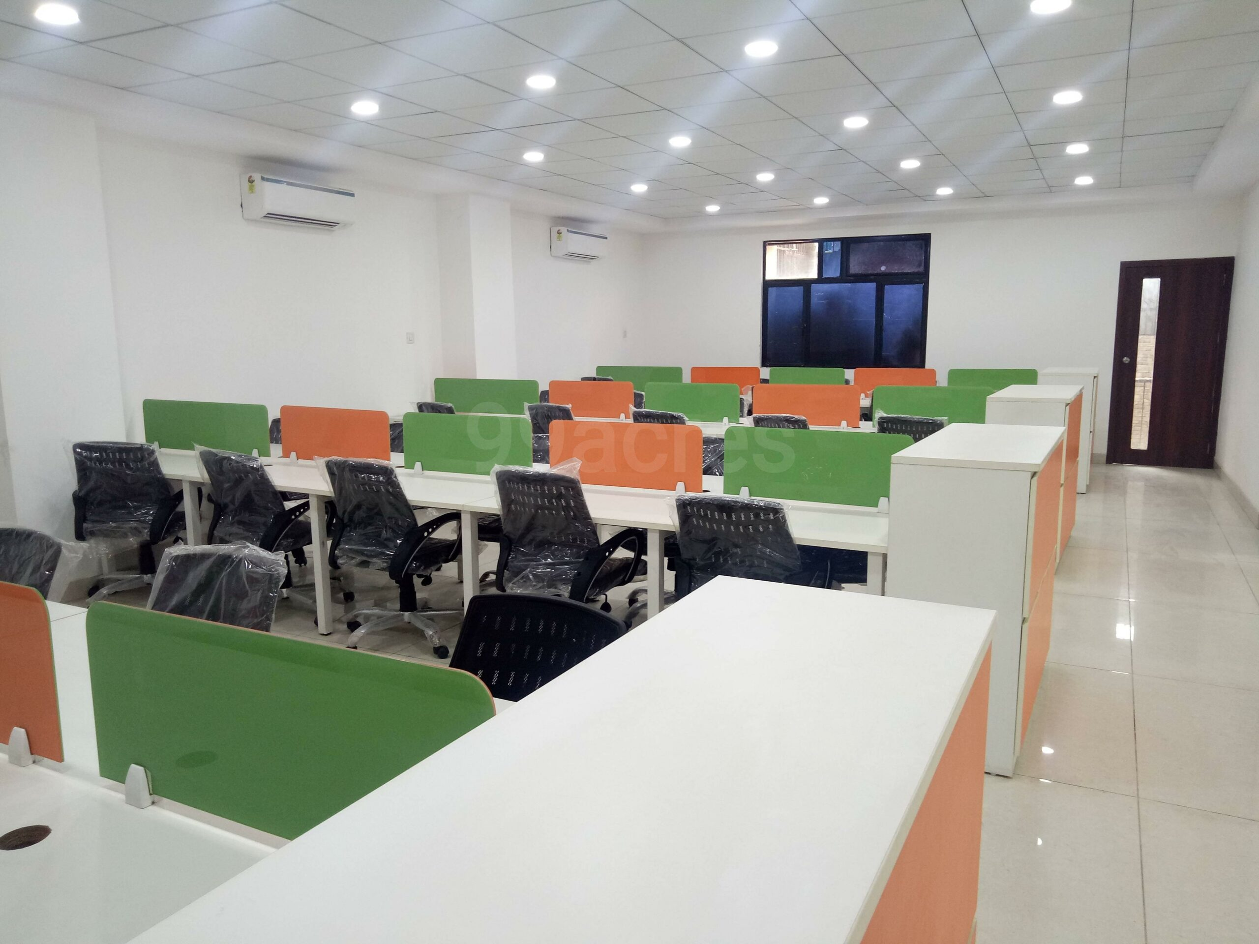 4500 Sq.ft. Office Space in A-BLOCK Sector-2 noida